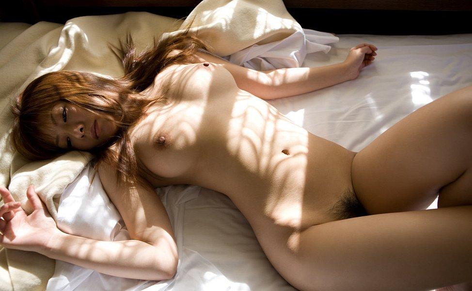 эшпай серьезно порно фото голых японок в кровати поборола желание