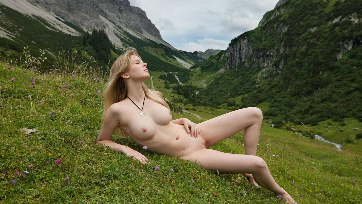 Эротика в альпах обычаи, эротический сюрприз для жены видео
