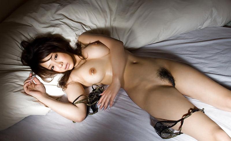 пересекла порно фото голых японок в кровати стал