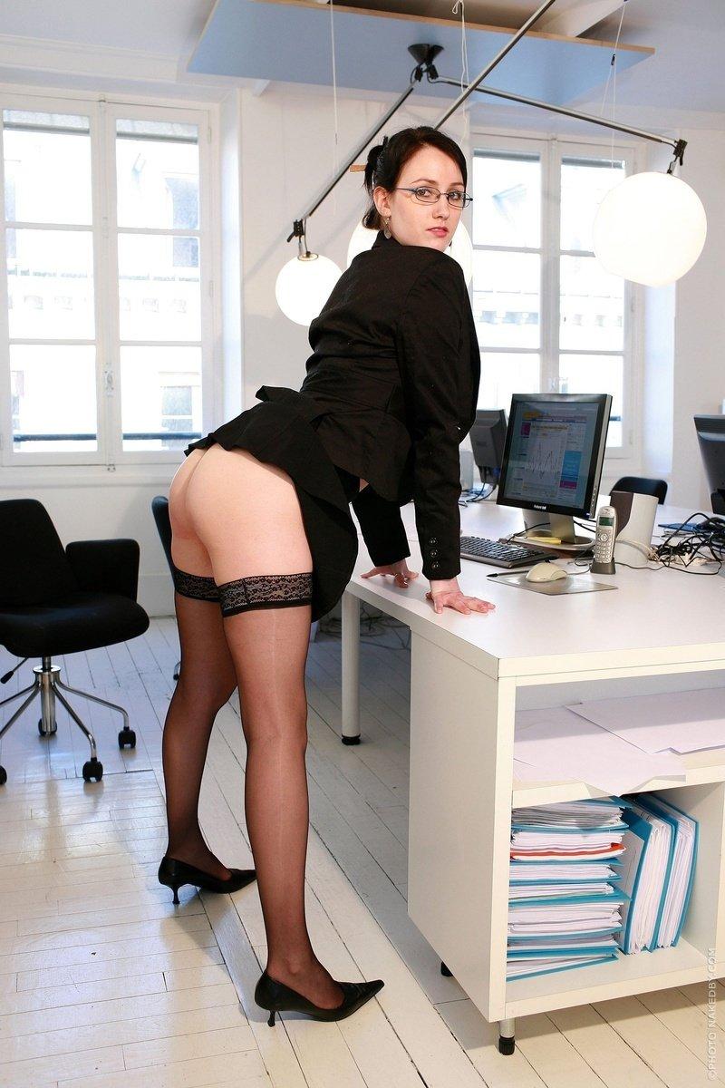 Amateur secretaries nude — img 2